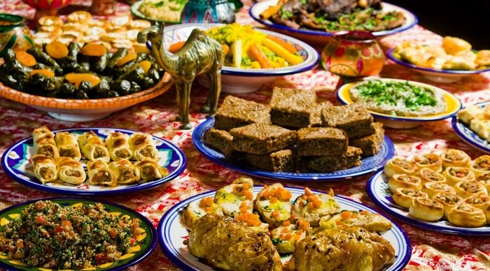 Scaled_arabic-food-table-2786