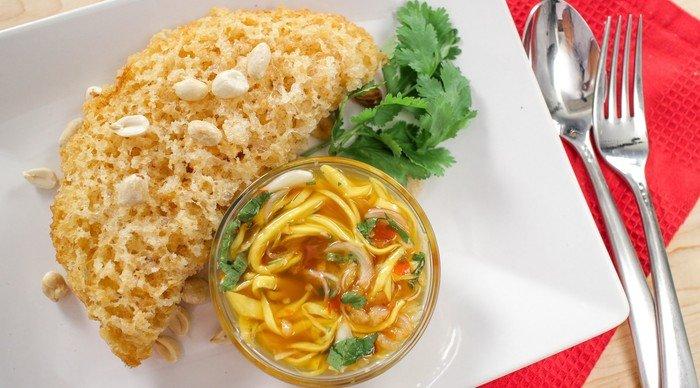 Scaled_cozinha_tailandesa-yum_pla_duk_foo