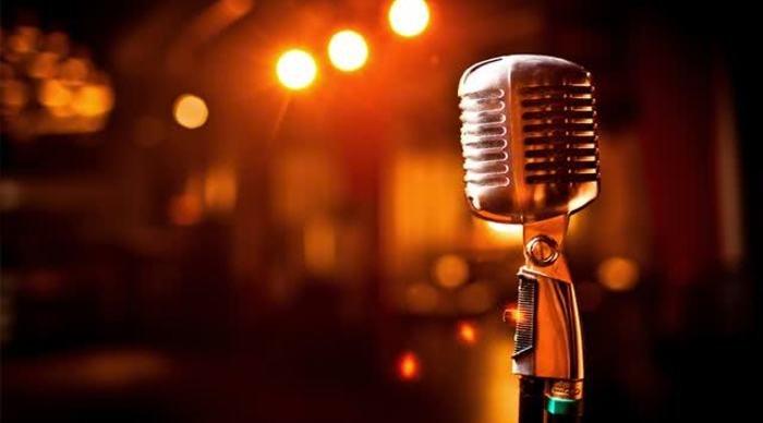 Scaled_sonhar-com-microfone