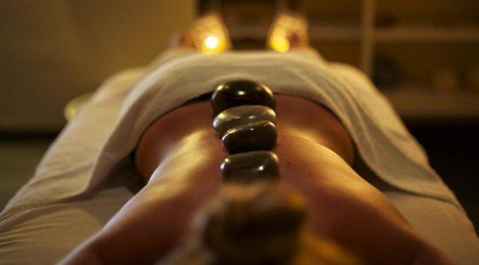 Scaled_massagem-pedras-quentes