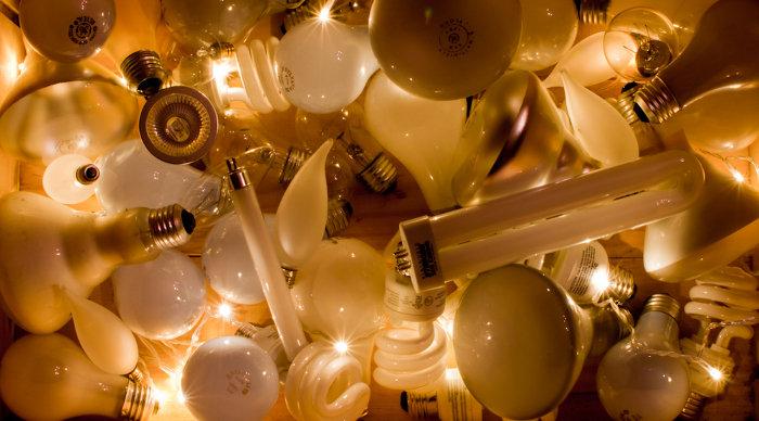 Scaled_light_bulbs_box_cinese